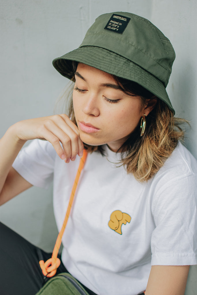 womens-adjustable-bucket-hat-streetwear-portrait