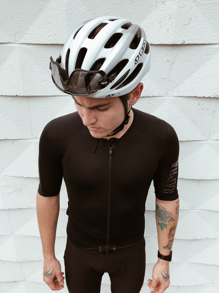 fixed-gear-road-cyclist-outfit