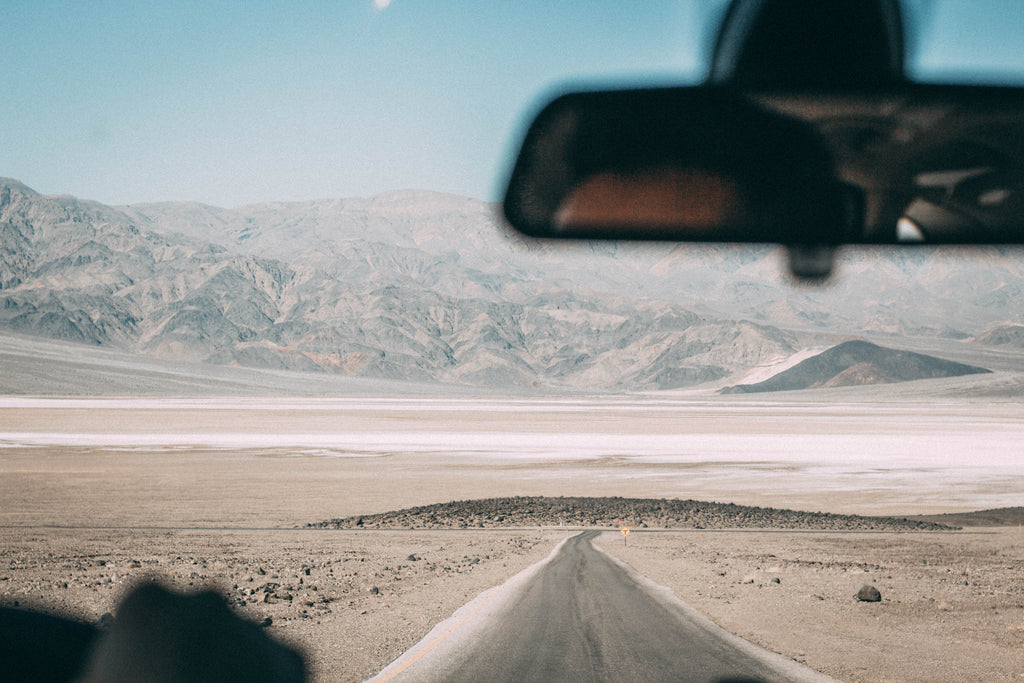 road-tripping-to-death-valley-open-road