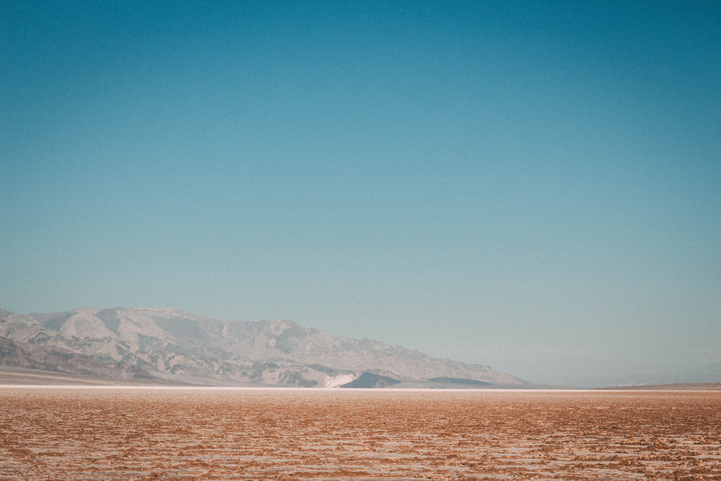 death-valley-salt-flat-desert