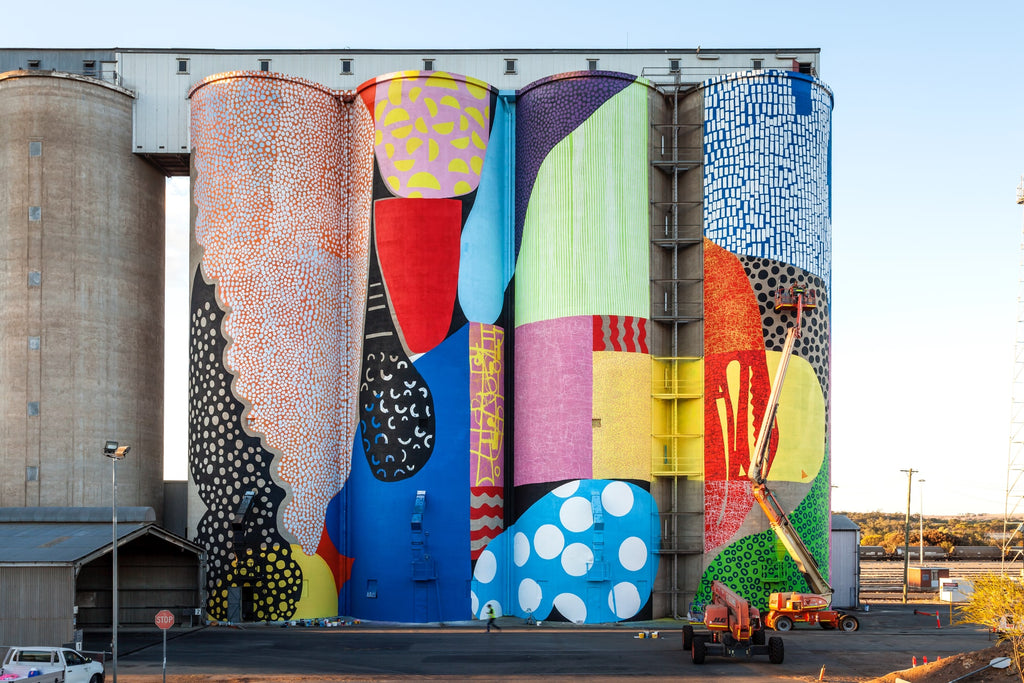 industrial-contemporary-art-mural-on-concrete