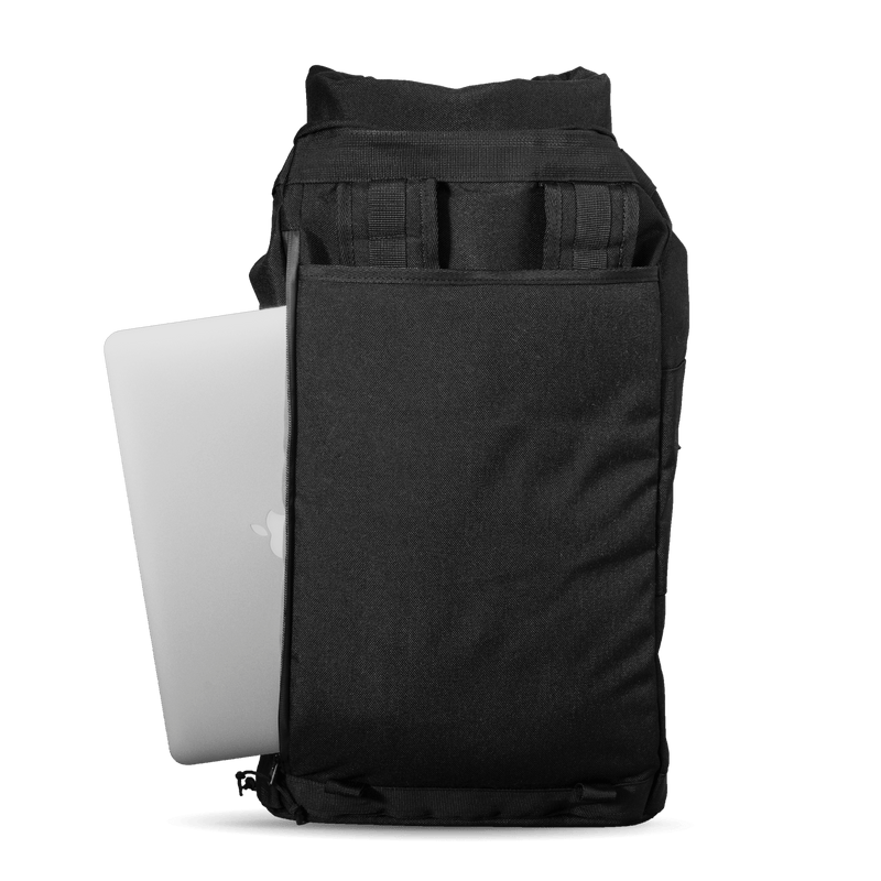 Commuter-duffle-bag-space-black-laptop-compartment