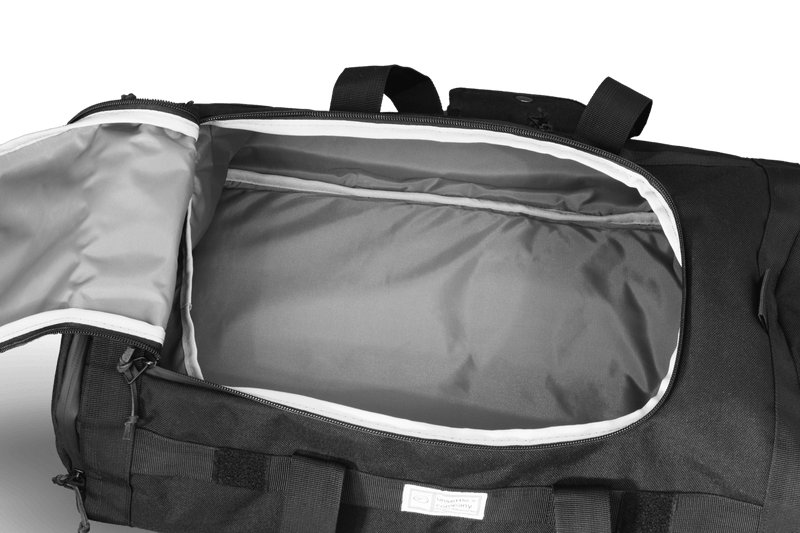 Commuter-duffle-bag-space-black-inside