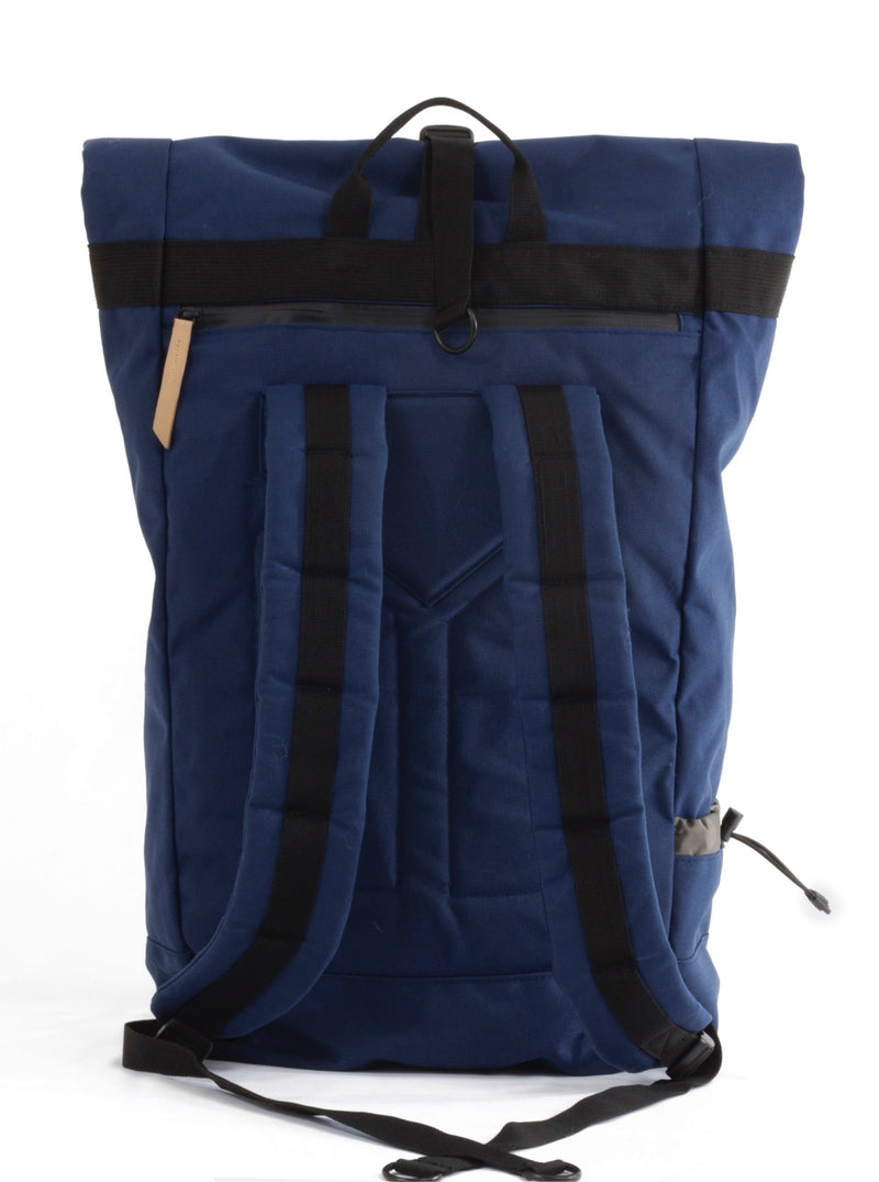 commuter-roll-top-backpack-back-straps