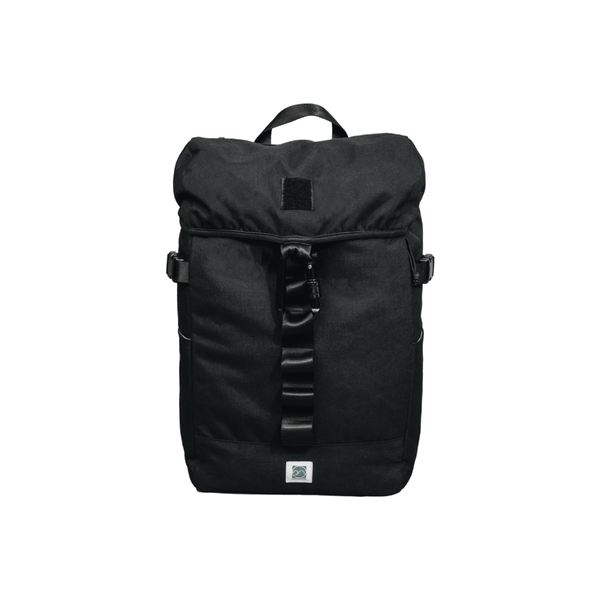 black-rucksack-backpack-with-carabiner
