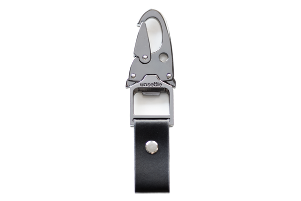gunmetal chrome unclip keychain | leather
