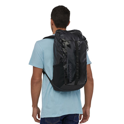 Patagonia - Black Hole Pack 25L - 100 % Recycled Polyester - Weekendbee - sustainable sportswear