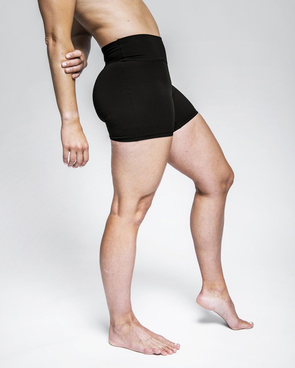Népra - Dione Shorts - Responsible Activewear - Weekendbee - sustainable sportswear