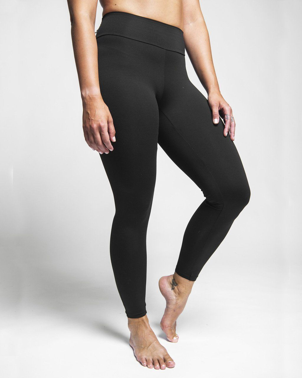 Népra - Saturnus Tights  - Responsible Activewear - Weekendbee - sustainable sportswear