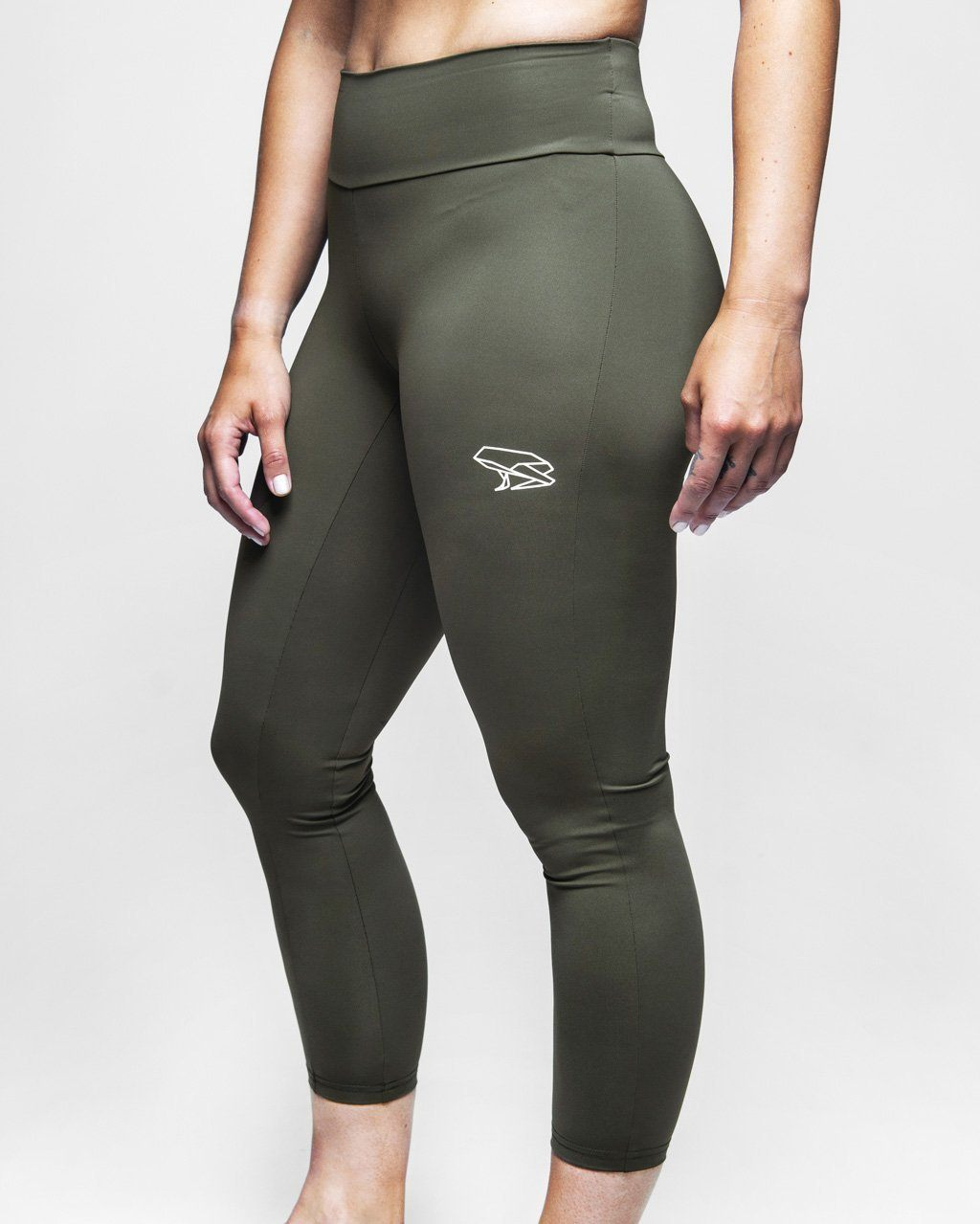 Népra - Terra Cropped Tights - CrossFit and Trail Running Durability - Weekendbee - sustainable sportswear