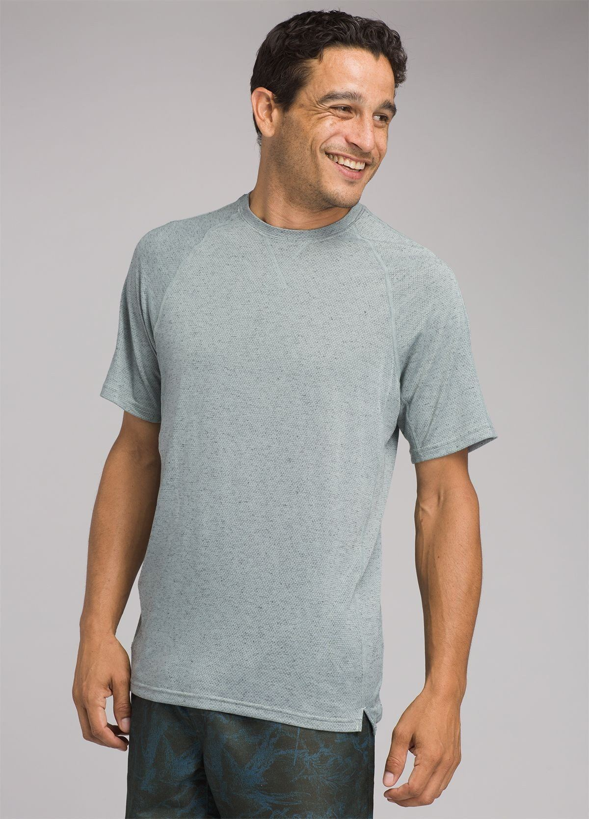 PrAna - Transverse Short Sleeve Sport T-shirt - Recycled Material - Weekendbee - sustainable sportswear