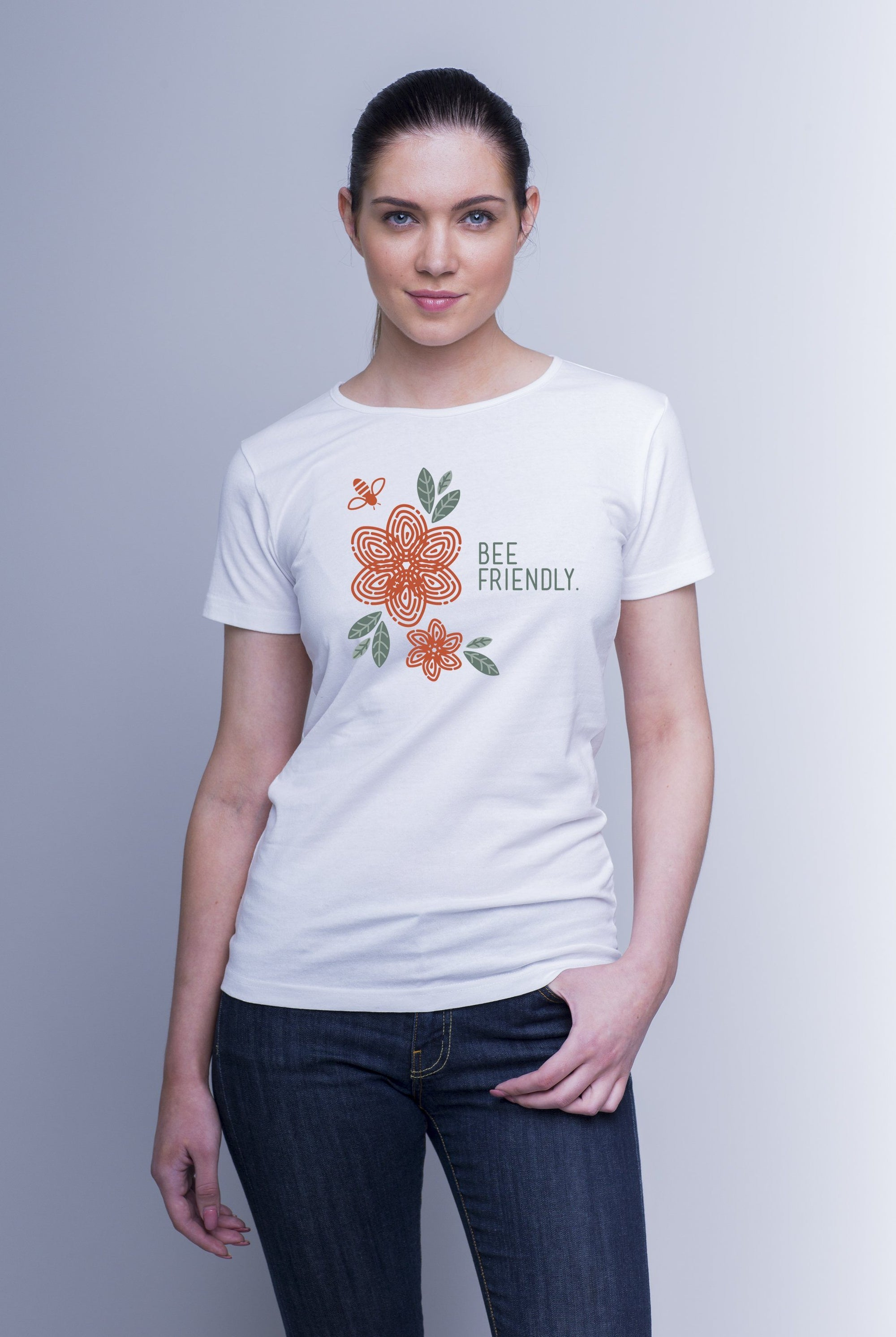 Weekendbee - Women's Bee Friendly - Charity T-Shirt - Weekendbee - sustainable sportswear