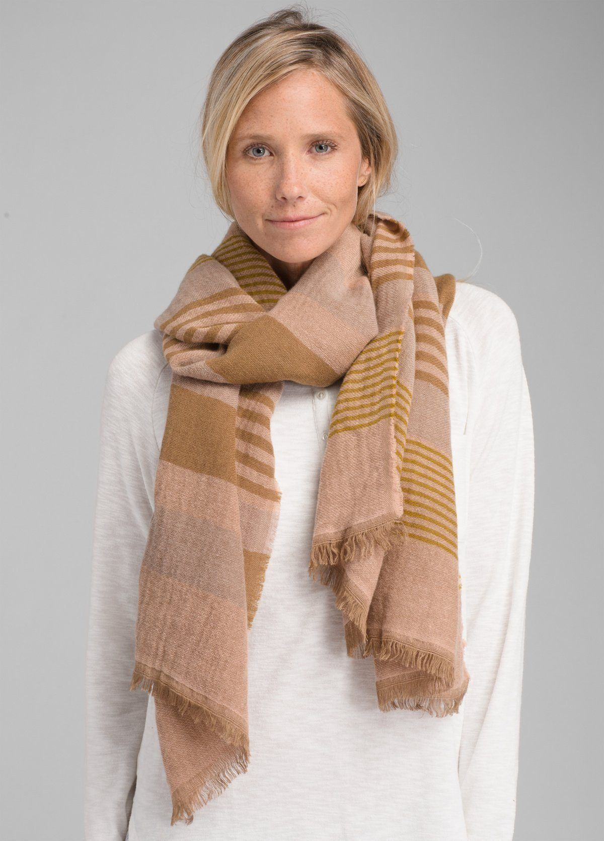 PrAna - W's Flora Scarf -  40 % Wool - Weekendbee - sustainable sportswear