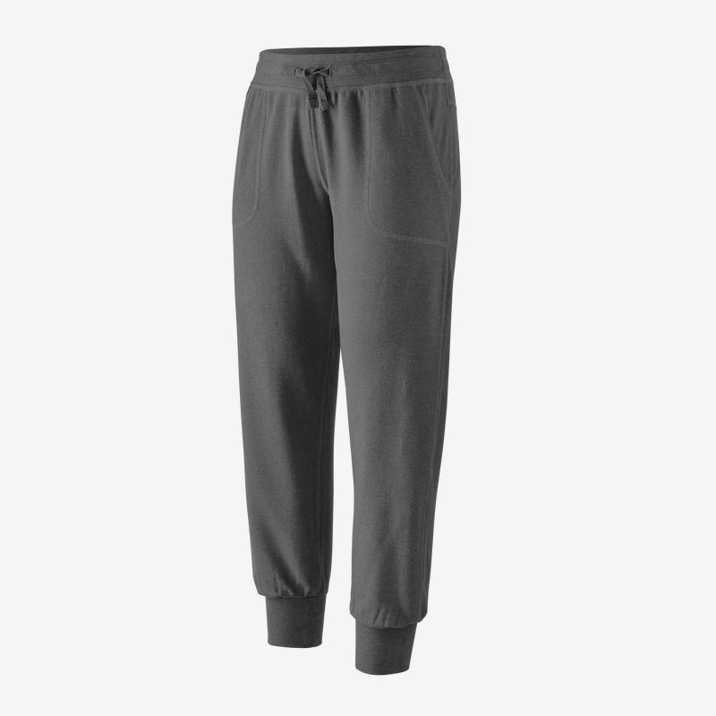 Patagonia - W's Ahnya Fleece Pants - Cozy soft pants for outdoors and indoors - Weekendbee - sustainable sportswear