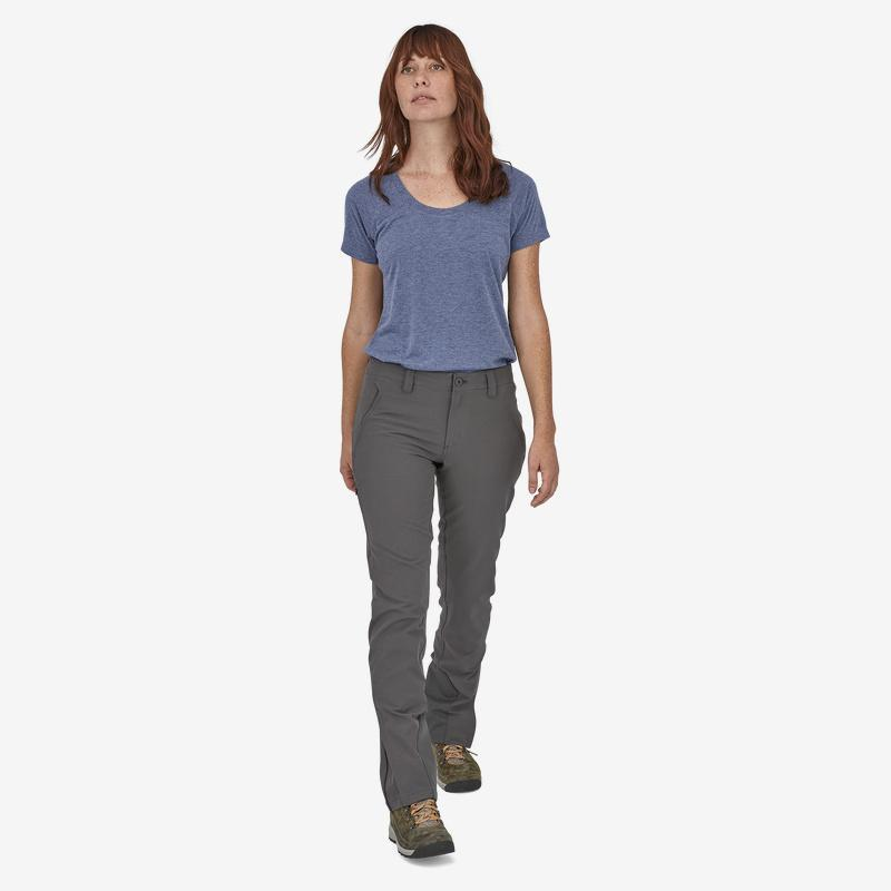 Patagonia - W's Crestview Hiking Pants - Recycled Polyester - Weekendbee - sustainable sportswear