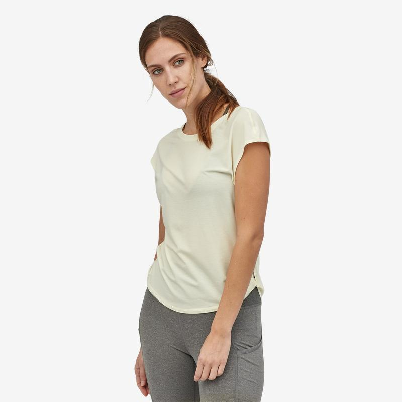 Patagonia - W's Glorya Twist T-shirt - Recycled polyester - Weekendbee - sustainable sportswear