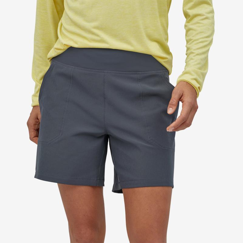 Patagonia - W's Happy Hike Shorts - 6 Inch - Recycled Polyester - Weekendbee - sustainable sportswear