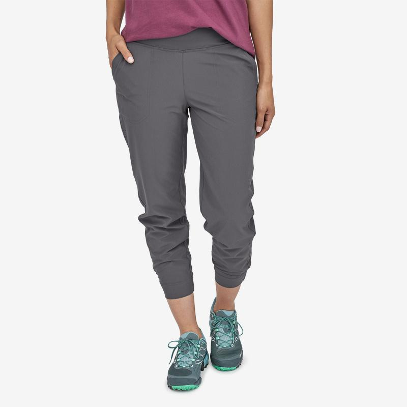 Patagonia - W's Lined Happy Hike Studio Pants - Weekendbee - sustainable sportswear
