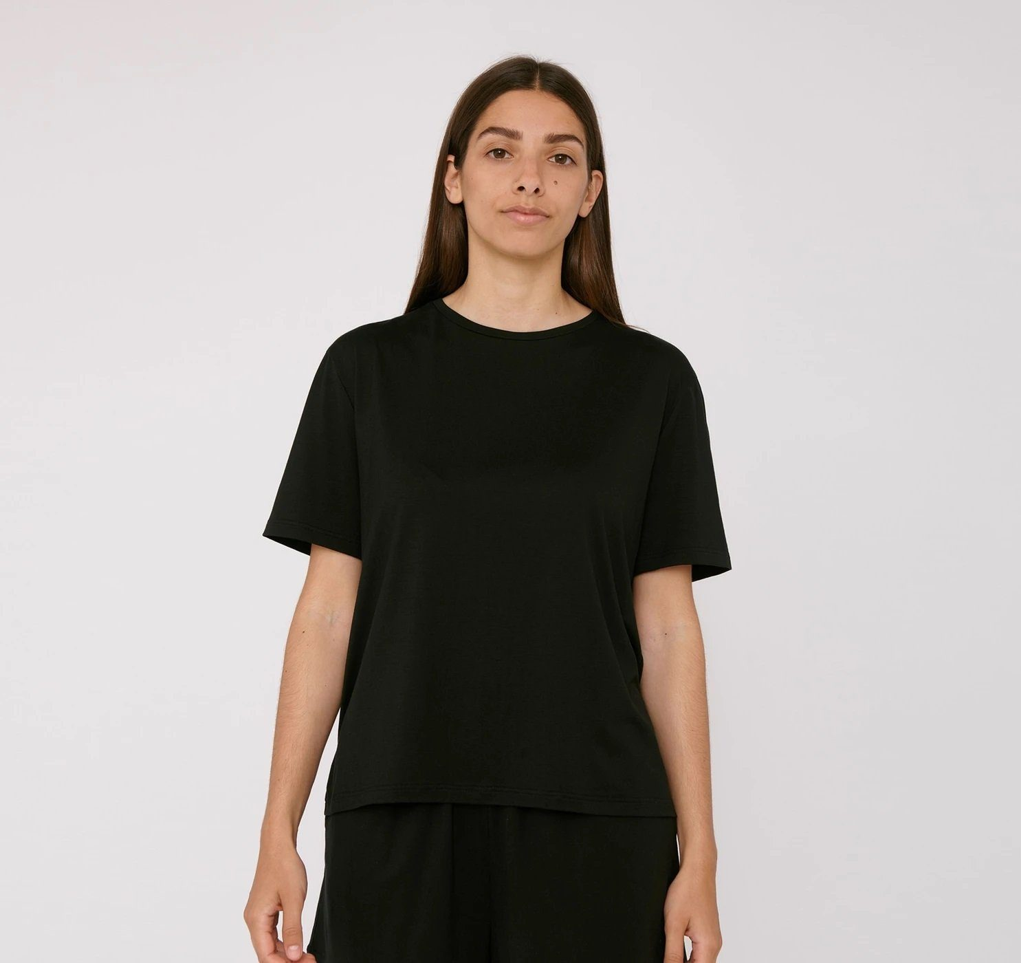 Organic Basics - W's TENCEL Lite Tee - Weekendbee - sustainable sportswear