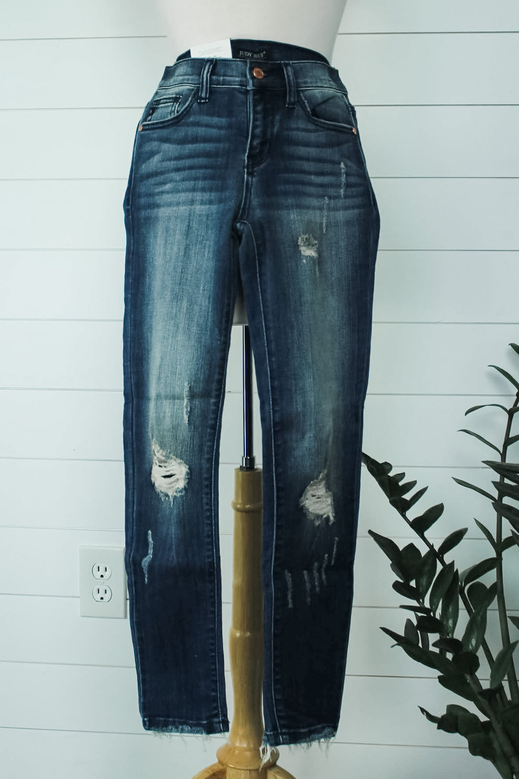 Ankle Frayed Distressed Jeans