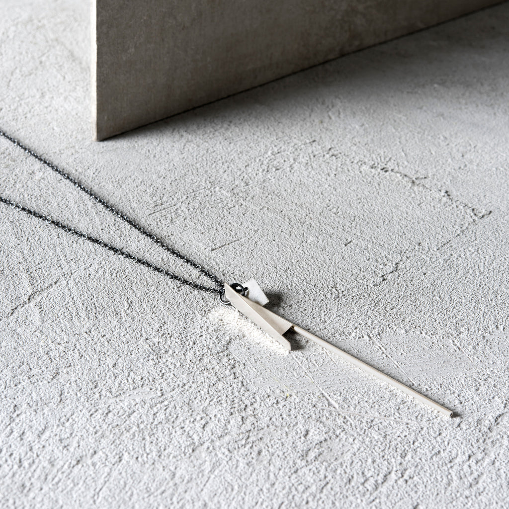 OUTLINE CHAIN SILVER NECKLACE