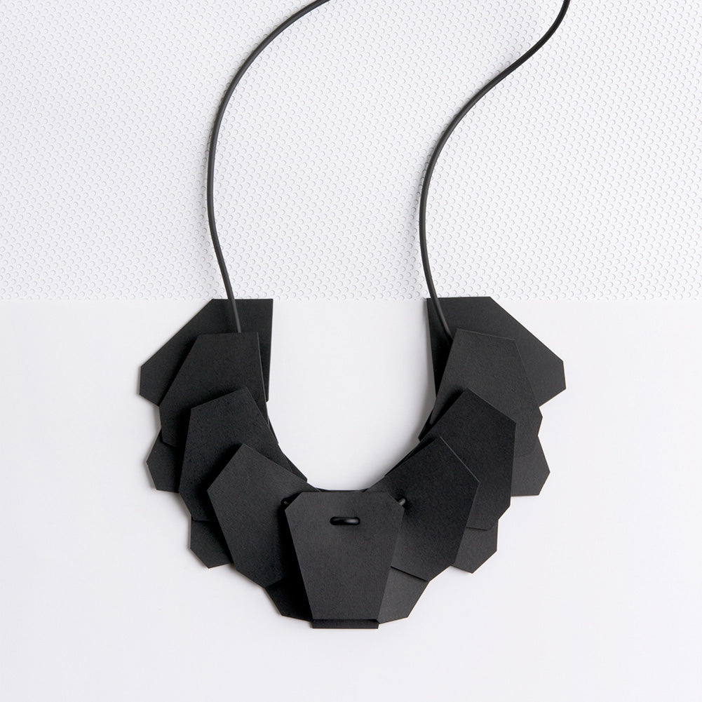 MANIFA NECKLACE