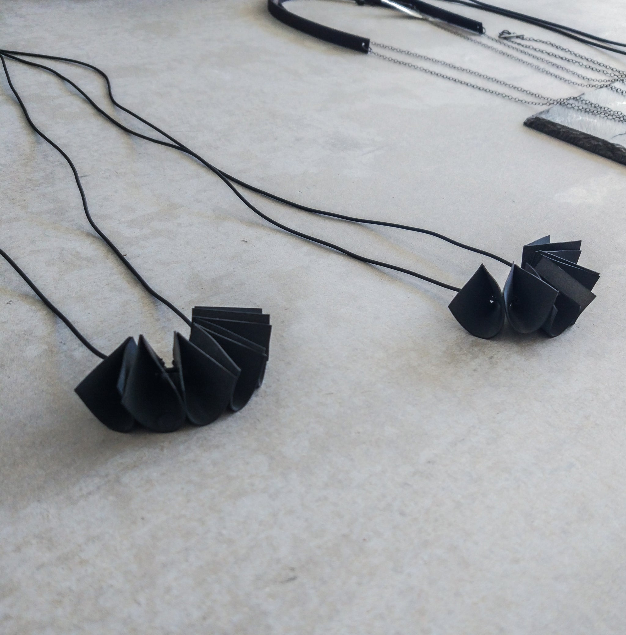 MICROFORM RUBBER NECKLACE