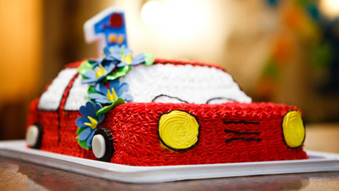 car-theme-customized-cake