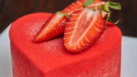 Heart-Shape-Red-Velvet-Cake-with-Strawberry