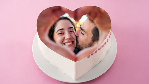 valentine-day-couple-photo-cake