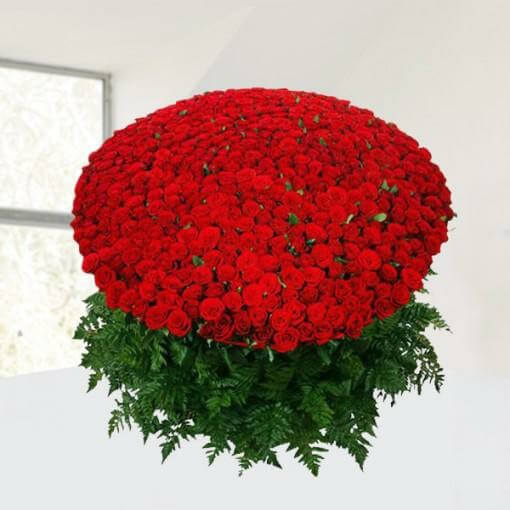 1200-red-roses-bouquet