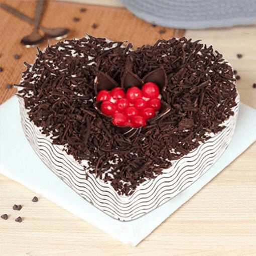 heart-shape-black-forest-cake-choco-chips-and-cherries