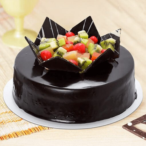 choco-fruit-cake-with-fruits-on-top