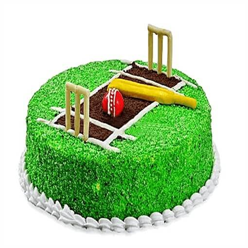 round-shape-cricket-pitch-cake-with-wickets