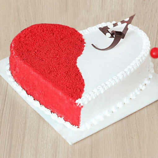 heart-shape-red-velvet-cake