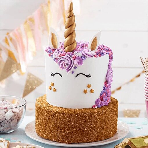 golden-unicorn-cake-plaza