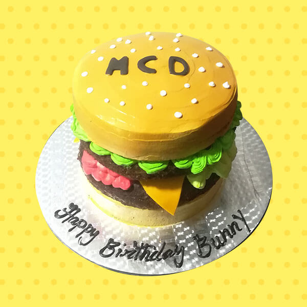 round-McDonald-designed-burger-cake