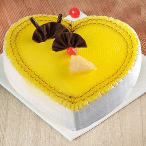 pineapple-heart-cake-plaza