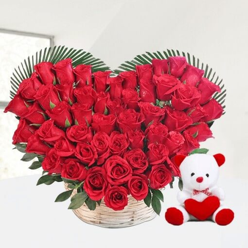 50-roses-heart-shape-bouquet-with-teddy