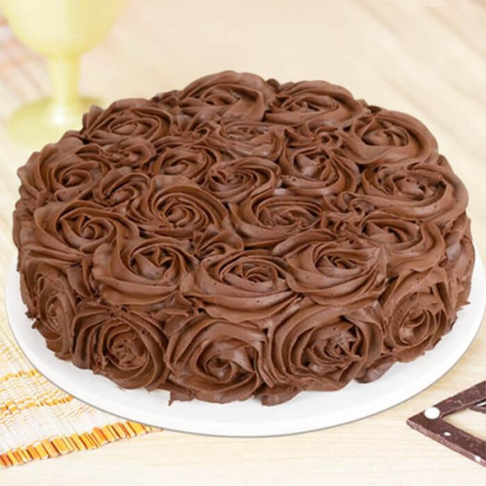 rose-chocolate-cake-round-shape
