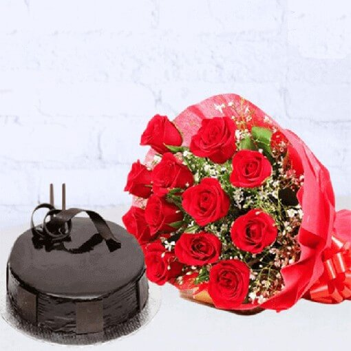 red-roses-bouquet-with-chocolate-round-shape-cake