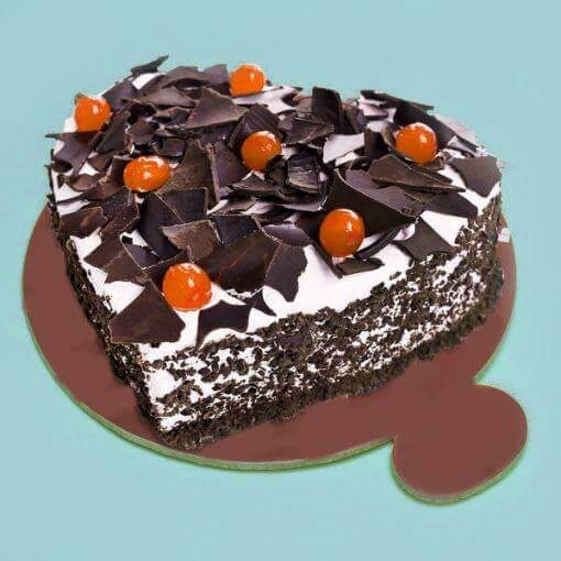 heart-shape-black-forest-cake-plaza