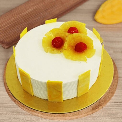 pineapple--yellow-cake-plaza