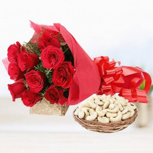 red-roses-with-cashew-dry-fruits-dry-fruits-cake-plaza