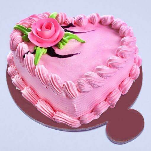 strawberry-heart-shape-cake-plaza