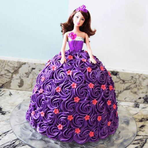 stunning-barbie-doll-cake-plaza
