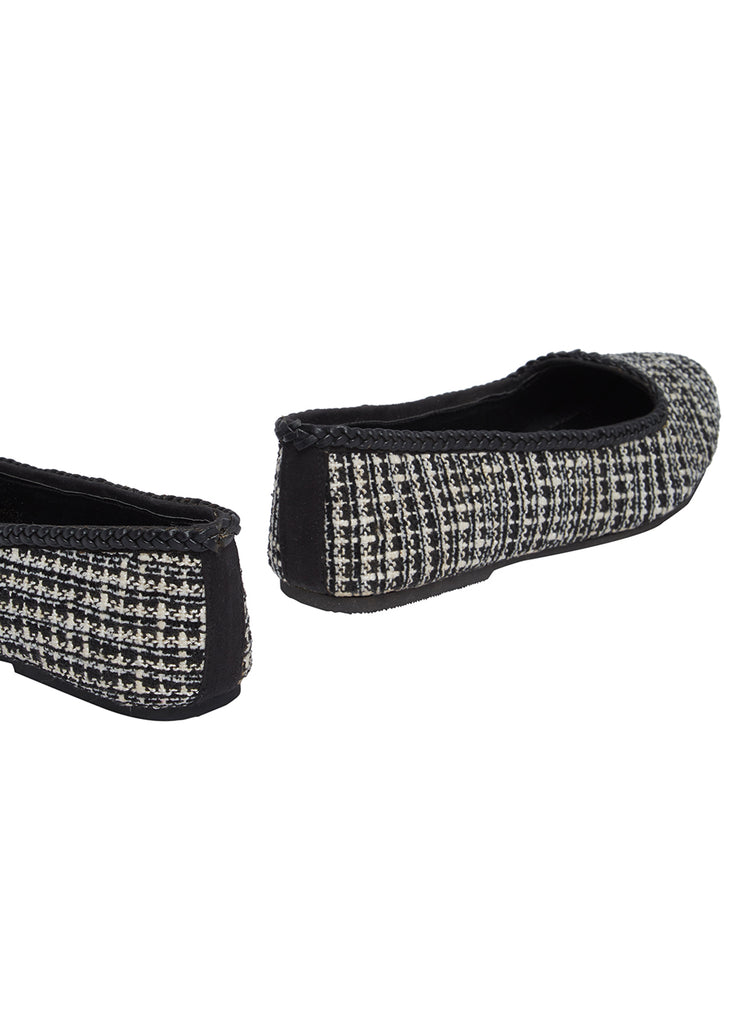 Monochrome Jacquard  Pointed Loafer