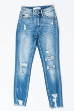 Load image into Gallery viewer, Kan Can Tatum High Rise Distressed Jeans