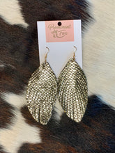 Load image into Gallery viewer, Metallic Snakeskin Feather Earrings