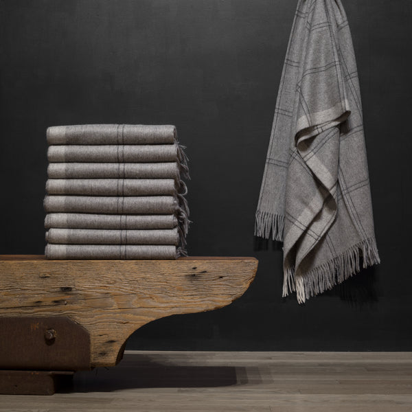 Elvang Alpaca/Wool Throw-Light Grey